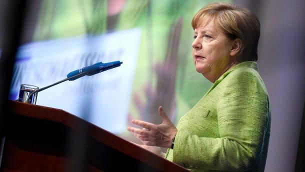 Merkel will TTIP-Gespräche wieder in Gang bringen