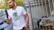 Attila Hildmann am Montag in Berlin bei einem Pressetermin vor seinem veganen Imbiss