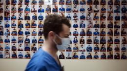 3000 nicht geimpfte Pflegekräfte freigestellt