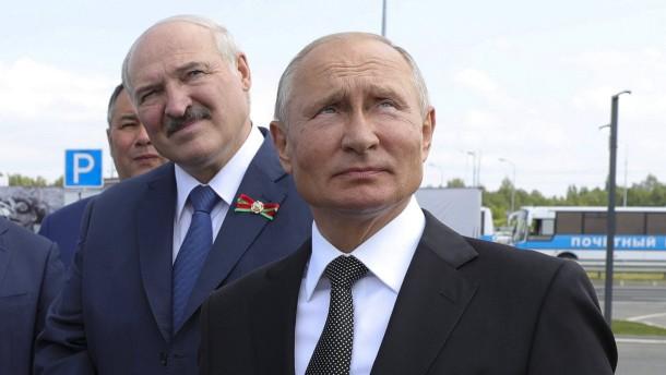 Putin investiert in den Unterdrücker