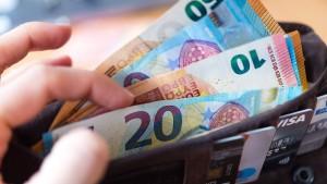 Die Deutschen hängen am Bargeld