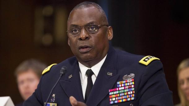 Wird schon wieder ein General Verteidigungsminister?