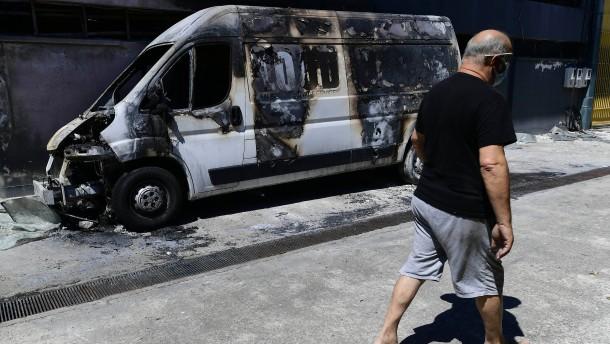Wird Athen im Kampf gegen das Feuer bevorzugt?