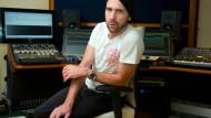 Von der Musik zur Musikproduktion: Kohlmannslehner in seinem Arbeitsraum