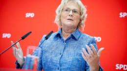 Lambrecht warnt vor Rechtsextremismus