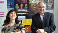 Kamen durch Zufall zum Theater und sind nun 30 Jahre lang dabeigeblieben: Winfried Becker und Heike Bonzelius im Foyer ihres Frankfurter Gallus-Theaters