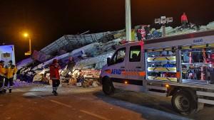 Schweres Erdbeben im Osten der Türkei