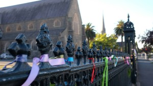 Fast 2000 katholische Geistliche in Australien belastet
