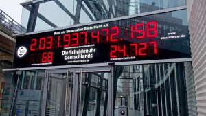 Deutschland hat 45.000.000.000 Euro weniger Schulden