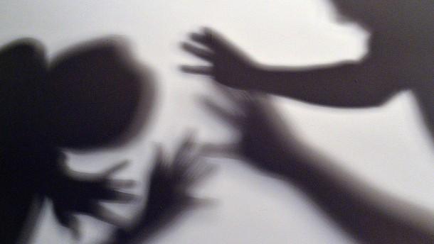 Mehr Gewalttaten  gegen Kinder
