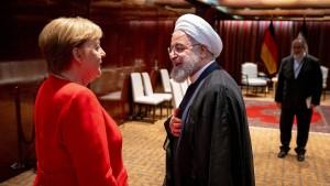 Macron und Johnson stützen Merkel-Position im Atomstreit