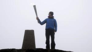 Feuer auf britischen Gipfeln entfacht