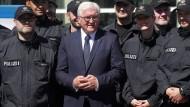 """Steinmeier """"schockiert und fassungslos"""" über Gewalt"""