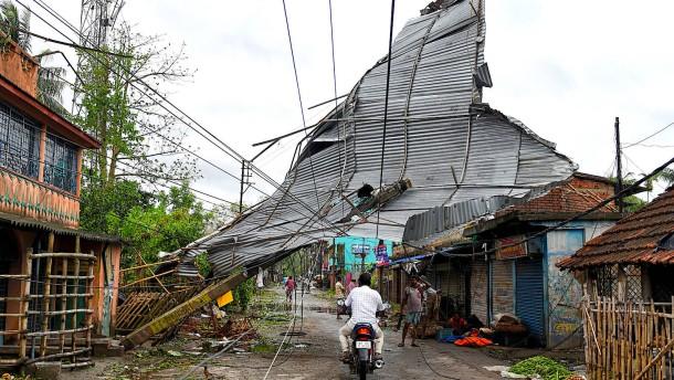 Mehr als 100 Tote nach Zyklon im Golf von Bengalen