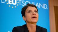 AfD-Chefin Frauke Petry bei einer Pressekonferenz in Berlin