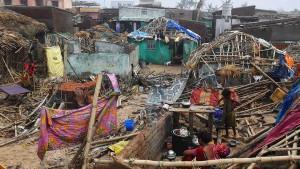Spur der Verwüstung an Indiens Ostküste