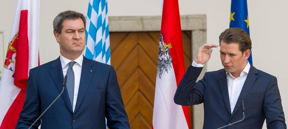 Eine gemeinsame Kabinettstagung haben Bayerns Ministerpräsident Markus Söder (l.) und Österreichs Bundeskanzler Sebastian Kurz bereits abgehalten. Am 20. Juni traten sie danach vor die Presse. Jetzt soll Kurz im Wahlkampf der Bayern eine Rolle übernehmen.