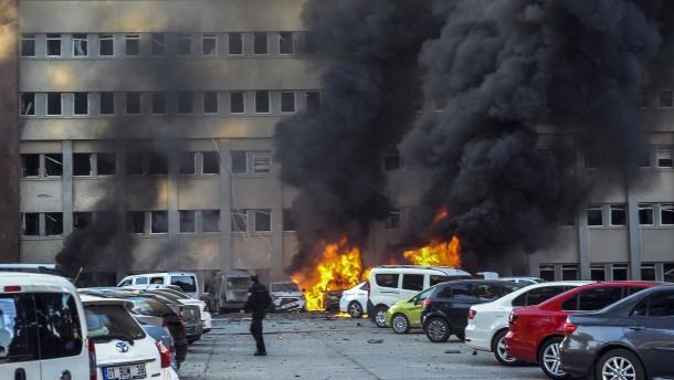 Tote bei Anschlag in Adana