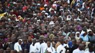 Zehntausende bei Messe des Papstes in Nairobi