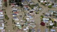 Dämme brechen: Tausende Einwohner gerettet