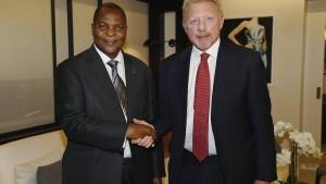 Becker widerspricht: Diplomatenpass keine Fälschung