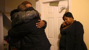 Polizei erschießt fünffache Mutter und spricht von Unfall