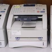 Das Faxgerät ist eine schnelle Alternative, wenn die E-Mail aus datenschutzrechtlichen Gründen nicht genutzt werden kann