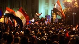 Demonstrationen gegen neue Verfassung