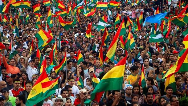 Jubel nach Rücktritt von Präsident Morales