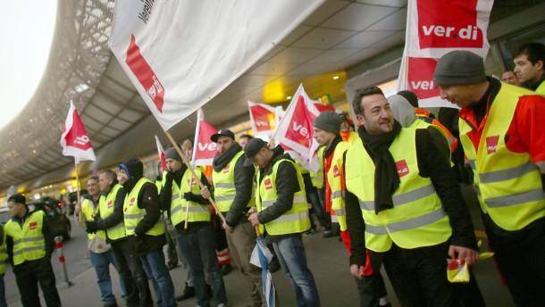 Bodenpersonal am Flughafen Düsseldorf streikt