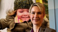 Die Kampagne schnell bei der Hand: Die stellvertretende SPD-Vorsitzende Manuela Schwesig vor einer Werbewand zum Betreuungsgeld