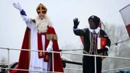 Holländer protestieren gegen schwarze Nikolaus-Helfer