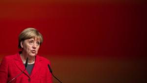 Merkel fordert mehr Transparenz von Google und Facebook