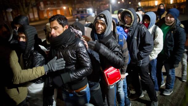 """De Maizière: """"Wir wollen keine Ghettobildung"""""""