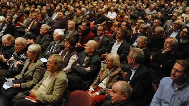 """Neue Partei """"Alternative"""" Diskussionsveranstaltung der neuen Partei in der Stadthalle in Oberursel."""