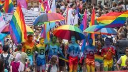 20.000 Menschen feiern Christopher-Street-Day in Frankfurt