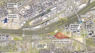 Begehrter Acker: Das rot umrandete Grundstück an der Stadtgrenze zu Offenbach kommt für einen Neubau der Europäischen Schule in Frage. Aber eigentlich war diese Fläche für den Bau einer Mehrzweckhalle gedacht.