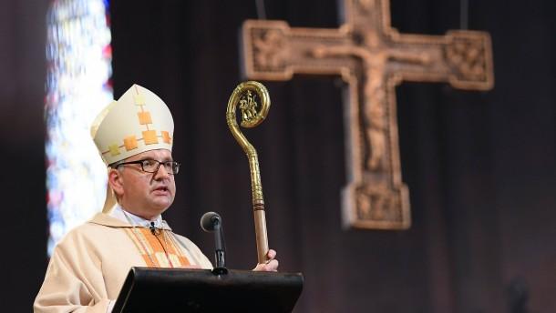 Neuer Bischof in Mainz ins Amt eingeführt