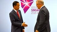 Eigentlich einig: Australiens Ministerpräsident Scott Morrison (rechts) mit dem indonesischen Präsidenten Joko Widodo auf dem Asean-Gipfel in Singapur.