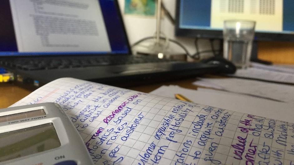 Nicht immer zulässig: Prüfung schreiben am heimischen Schreibtisch