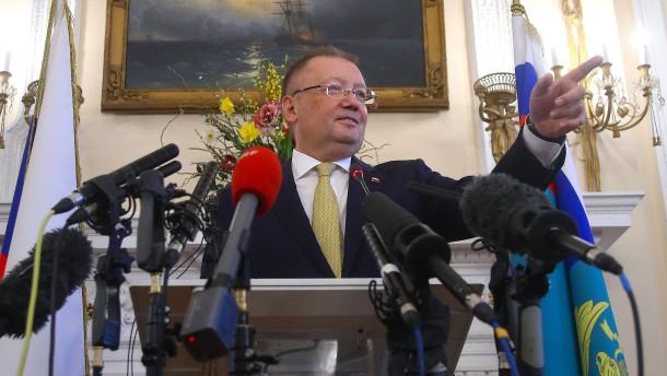 Russland beantragt Treffen mit Außenminister Johnson