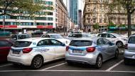 Ausnahme: Nur vor dem Frankfurter Hauptbahnhof sind Carsharing-Parkplätze leicht zu finden.