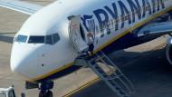 Hunderte Piloten der Fluggesellschaft sollen Mahnschreiben erhalten haben.