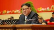 Nordkoreas Staats- und Parteichef Kim Jong-un auf dem Parteikongress in Pjöngjang