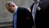Geschworene klagen Weinstein an