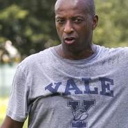 Rudy Meredith, Cheftrainer der Frauen-Fußballmannschaft in Yale, sackte über eine Millionen Dollar an Bestechungsgeldern ein.