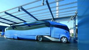 Lastwagen und Busse treten bald selbst auf die Bremse