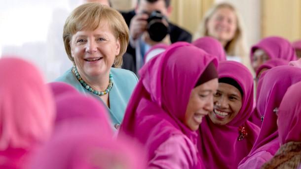 Jetzt wissen wir, was Angela Merkel macht: Revolution!