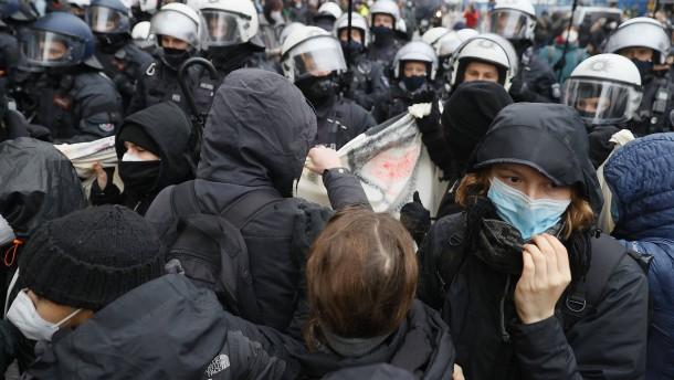 Corona-Kritiker protestieren in Frankfurt