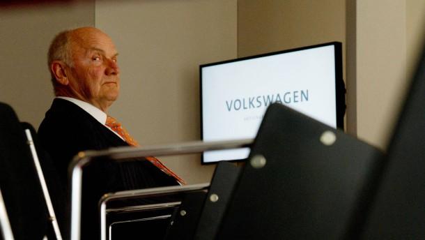 Piëch will Wolfgang Porsche als Nachfolger verhindern
